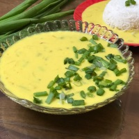 Payaz Ki Kadhi - Spring Onions Curd Based Curry - Perfect Lunch Recipe