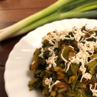Spring Onion Spinach Sabzi - Lunch Recipe - Green Leafy Vegetable