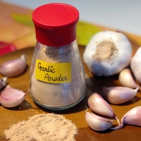Tuesday Tip | Homemade Garlic Powder |  Knoflook Poeder | Microwave Method