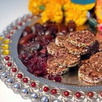 Ganesh Chaturthi Recipe | Dates Cranberries Burfi - No Sugar Sweet | Dry Fruits Treat | Microwave Method